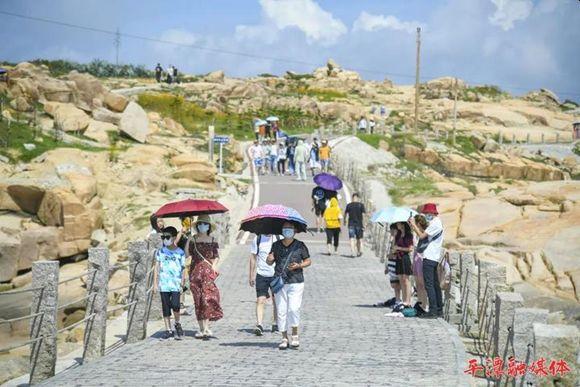 Pingtan Strait Road-Rail Bridge in Fujian Provence offers Scenic Spot during Dragon Boat Festival