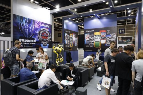 Close to 18,000 buyers visit HKTDC Hong Kong Watch & Clock Fair and Salon de TE